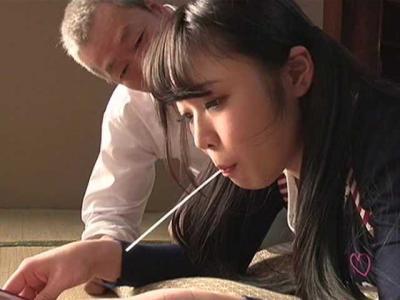 【ヘンリー塚本】助平ジジイが美少女に脚を開かせ、若いエキスを吸い取るようなじっとり老練セックス