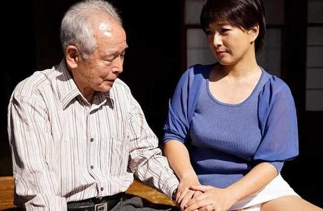 【おじいちゃん】男68歳まだまだ現役!息子の嫁を寝取りイカセまくり!日本男児の高齢者に捧ぐ濃厚ポルノビデオ!