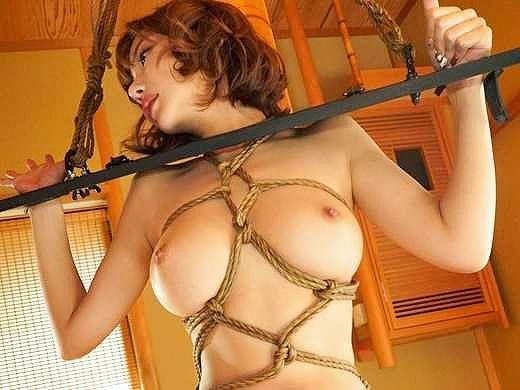 【明日花キララ】逃げられない!凌辱される巨乳娘!拘束状態で奴隷調教、強制蹂躙の悪夢!!