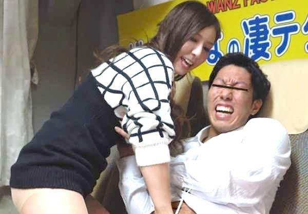 〖凄テク〗美形女優が素人男を逆ナンパ!本気責めを10分耐えたら中出しSEX!欲望に打ち勝てるのか!?