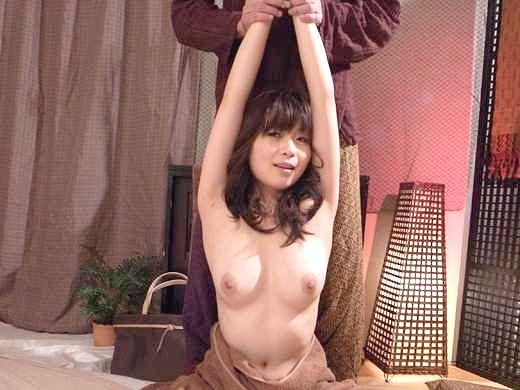 〖人妻ナンパ企画〗美意識高い人妻を誘い込み、全裸に剥いてやりたい放題!爆乳揉んで寝取られ膣内射精の奥様!