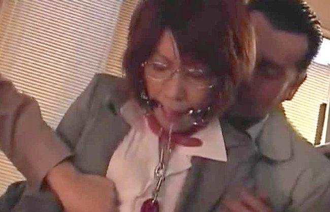〖熟女〗「いやッ…いけません…♡」教師と息子が貞淑熟女を犯る➡脅迫のボールギャグ調教に堕ちてしまう淫乱下品な人妻玩具ww