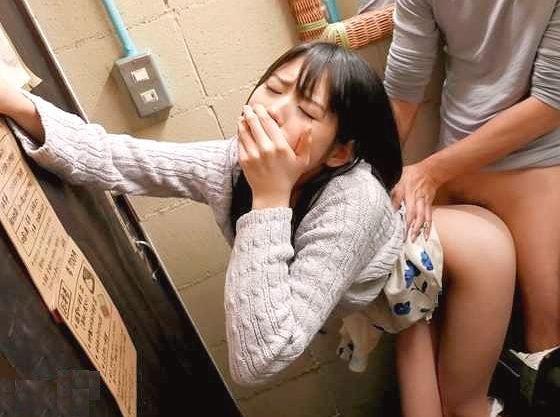 〖企画〗「だめ…バレちゃいます…♡」周りを気にしてこっそりFuck!超え我慢で悶えるロリ少女!!