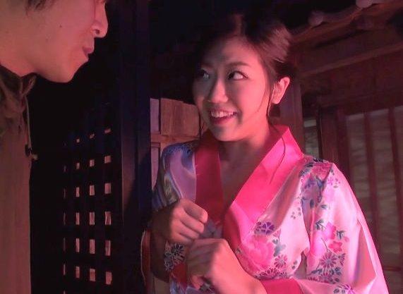 〖企画〗『秘密ですからね…♥』日本の風俗は世界一!爆乳娘に生挿入、おっぱい揺らして大量射精で絶頂しちゃう