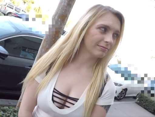 〖外国人〗USAで出会った素人巨乳美女!爆乳揺らす悶絶Fuckで絶叫、大量精子を中出しされて放心状態の金髪娘!!