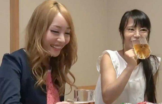 〖素人ナンパ企画〗飲み屋で出会った正反対の女子2人!あっさりSEXするイケイケちゃんを見てメガネちゃんも欲情しちゃって…