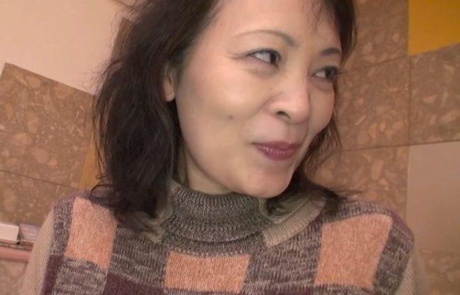 〖五十路〗『恥ずかしいです…♥』北海道で出会った五十路おばさん!若者に口説かれて旦那公認不倫性交ww