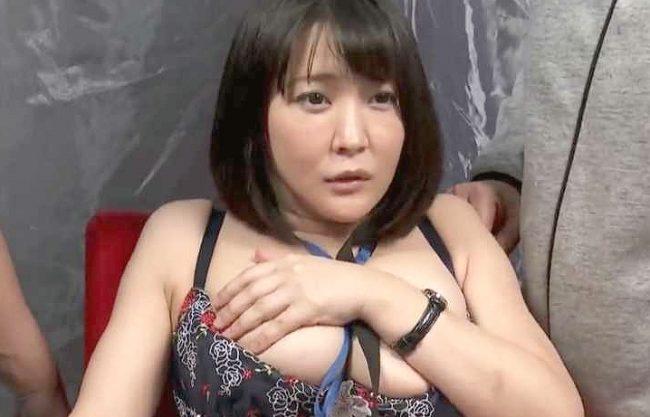 〖MM号〗『私、スタッフなのに…♥』巨乳ADがカメラテストで生挿入の餌食!電マ責め&膣内射精Fuckでイカされちゃう